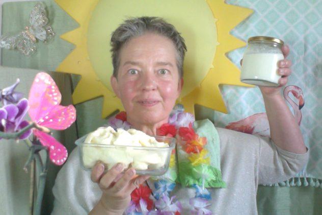 Hemmagjort ekologiskt osaltat svenskt smör och kärnmjölk