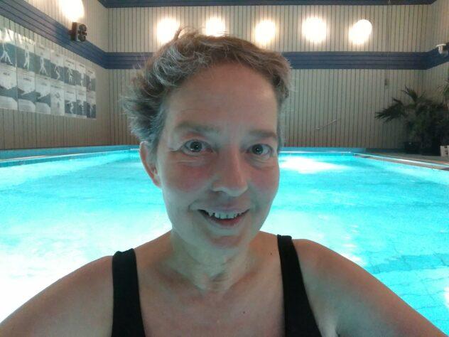 Lisel Humla Sjöstedt i poolen