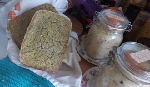 """Fermenterat bovetebröd och """"finkål"""""""